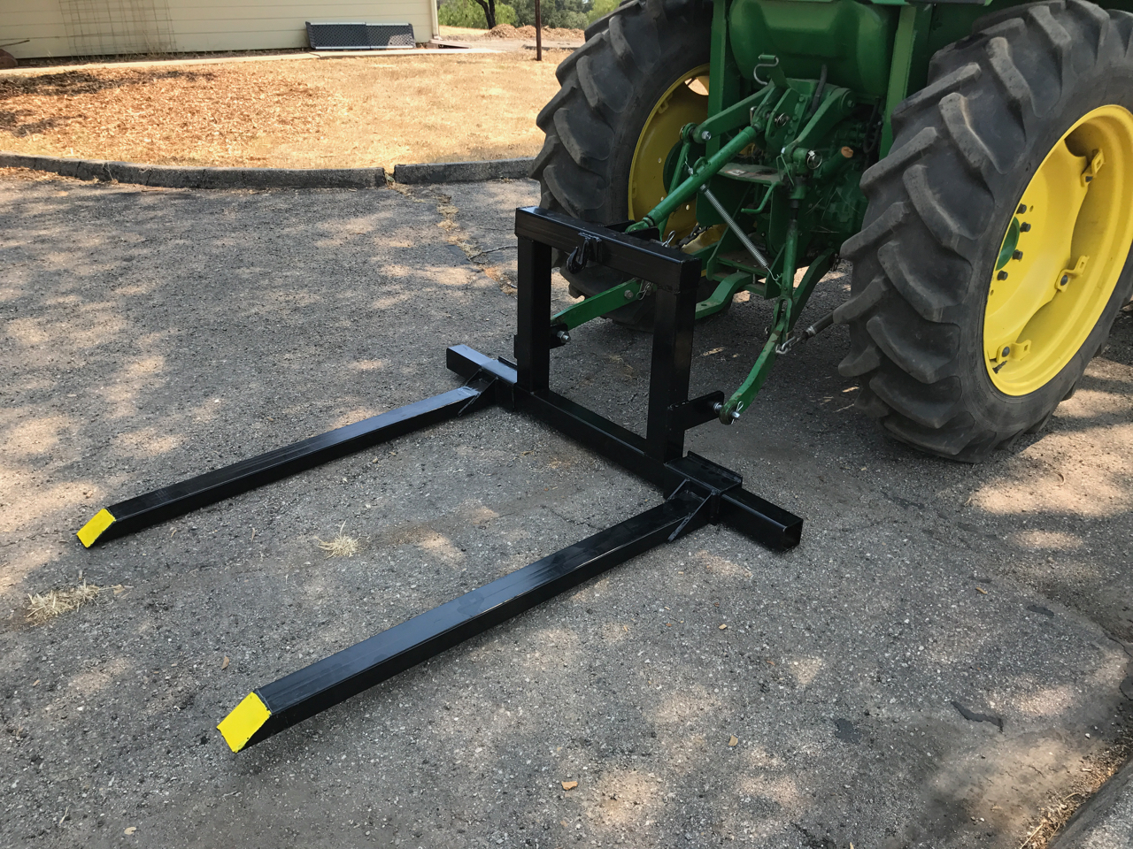 3 Point Forks : Titan point pallet fork attachment category tractor