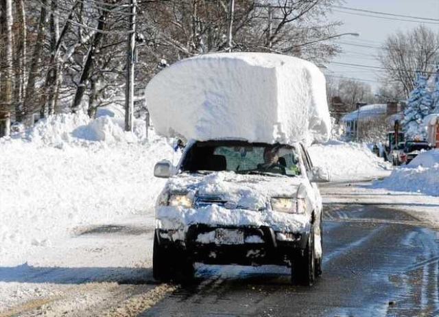 Click image for larger version.  Name:10-Douchebags-Driving-Around-With-Way-Too-Much-Snow-on-Their-Cars-004.jpg Views:28 Size:133.9 KB ID:716624