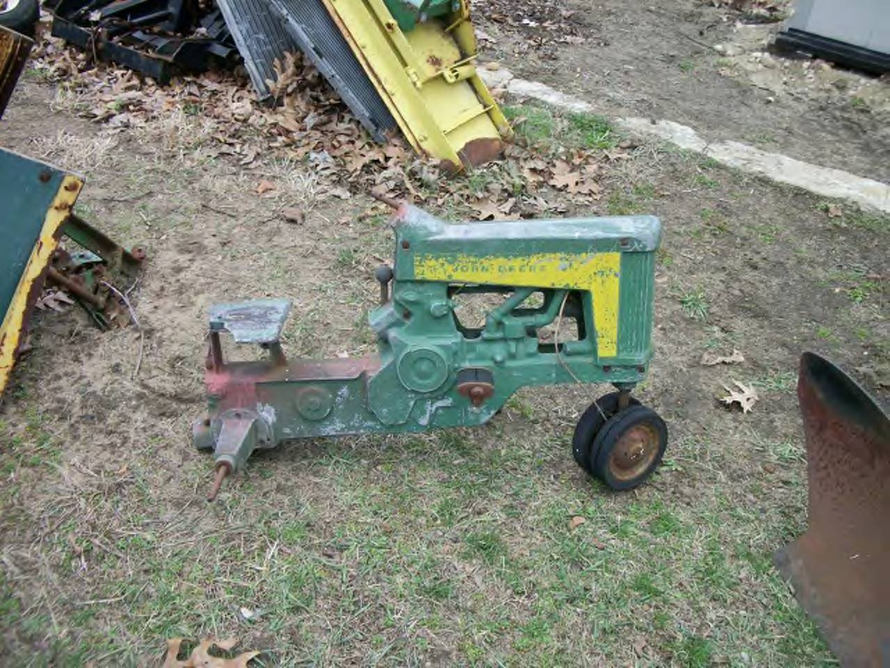 Click image for larger version.  Name:130 Pedal Tractor 1.JPG Views:38 Size:241.5 KB ID:37000