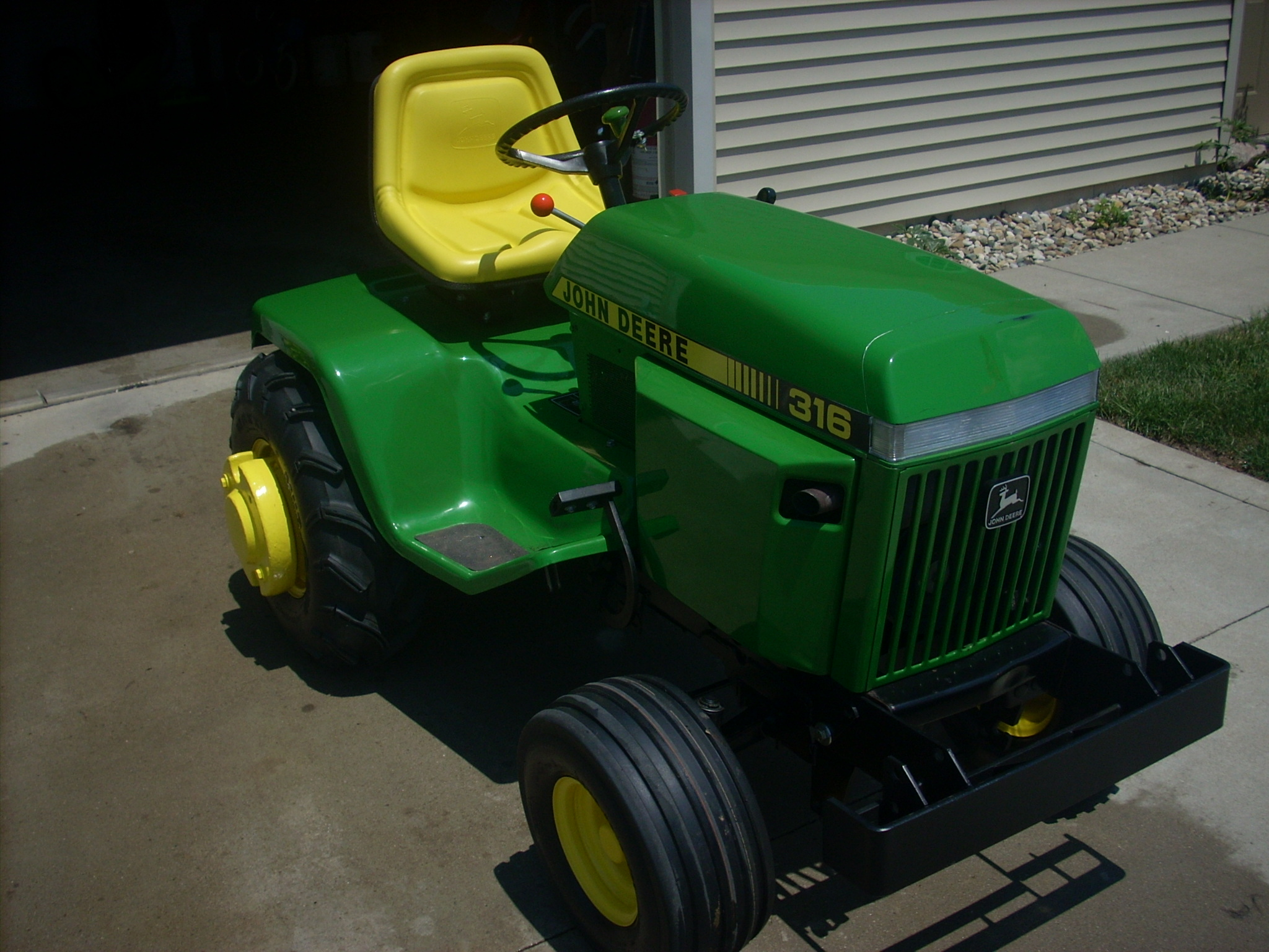 Click image for larger version.  Name:1987 316 TRACTOR 003.JPG Views:6 Size:820.3 KB ID:2937