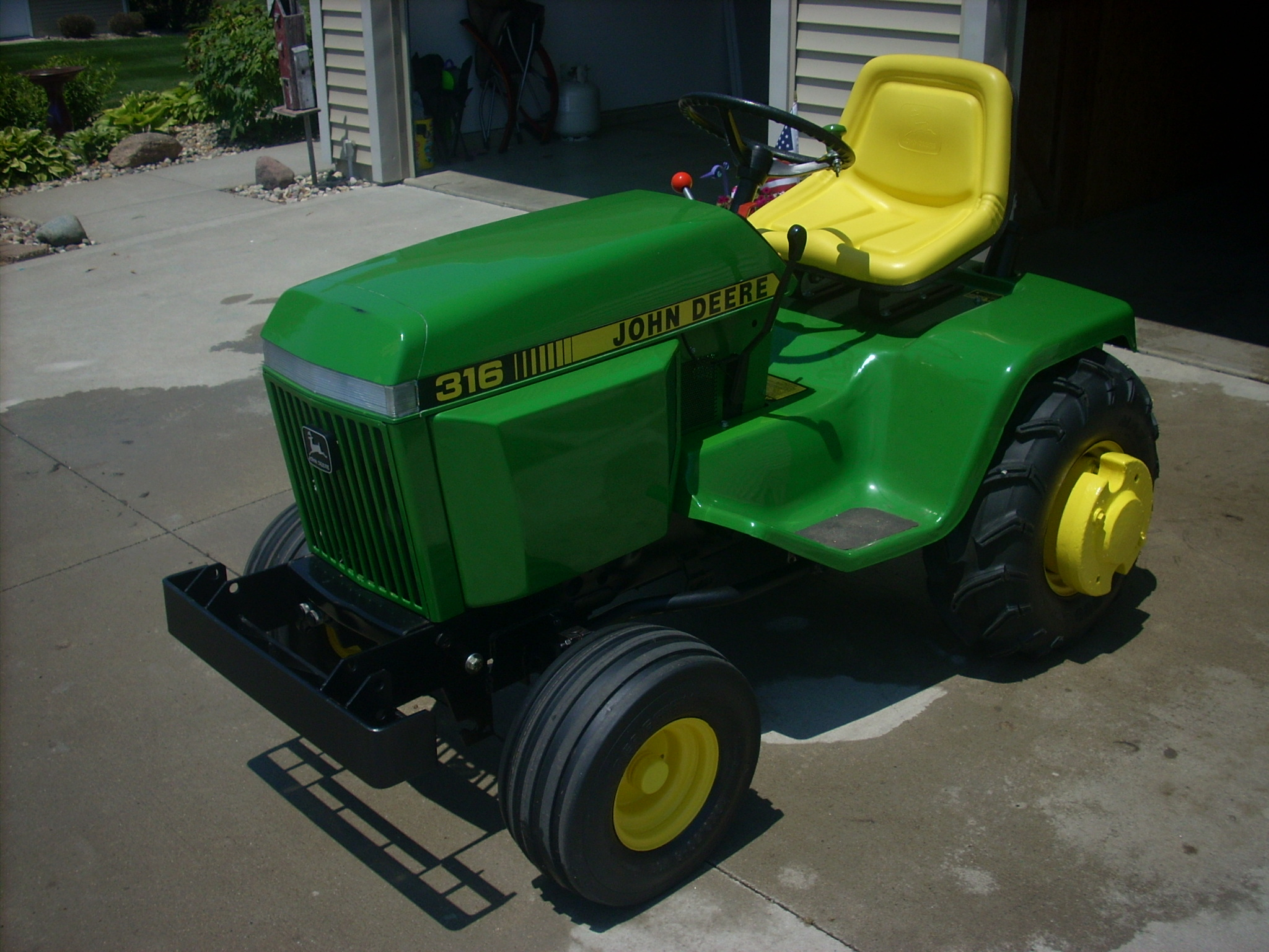 Click image for larger version.  Name:1987 316 TRACTOR 004.JPG Views:16 Size:828.7 KB ID:2938