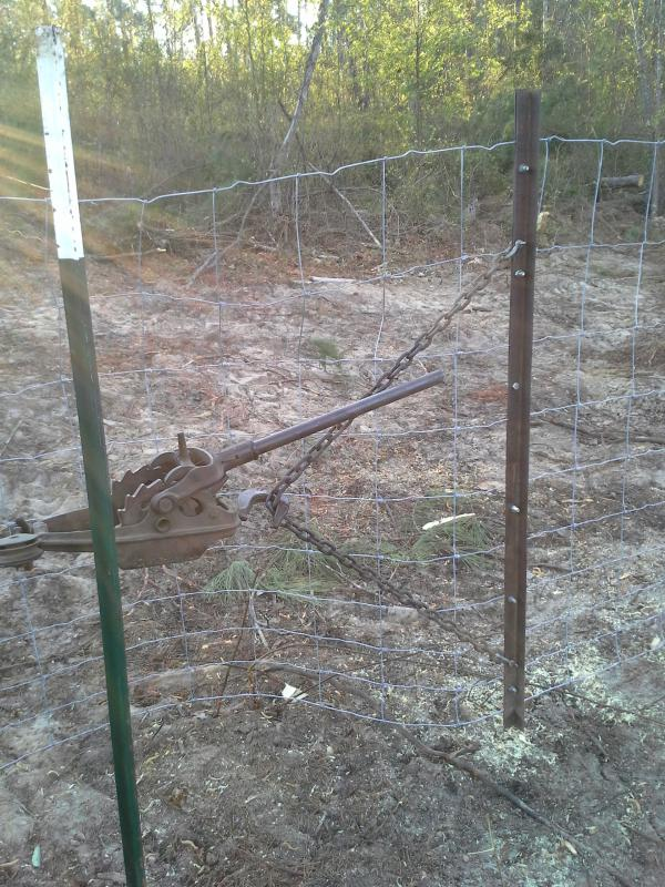 Tarter wire fence stretcher