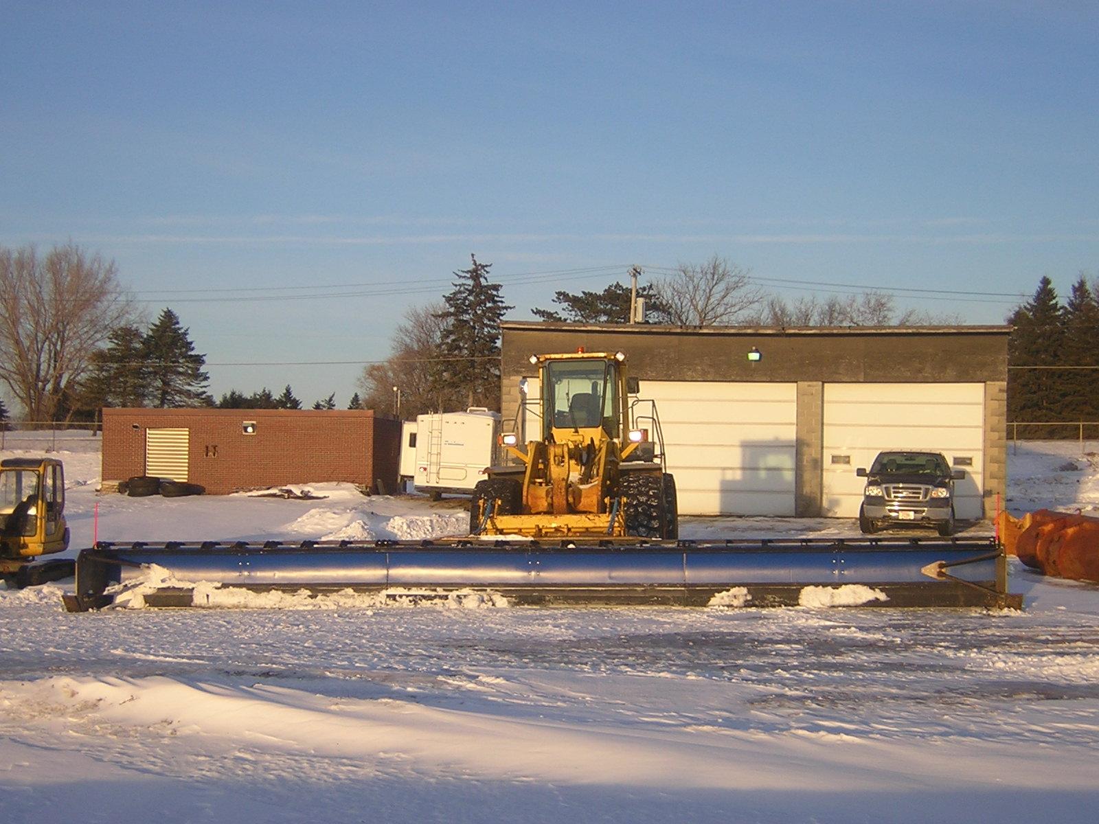 42 foot snow plow 004.jpg