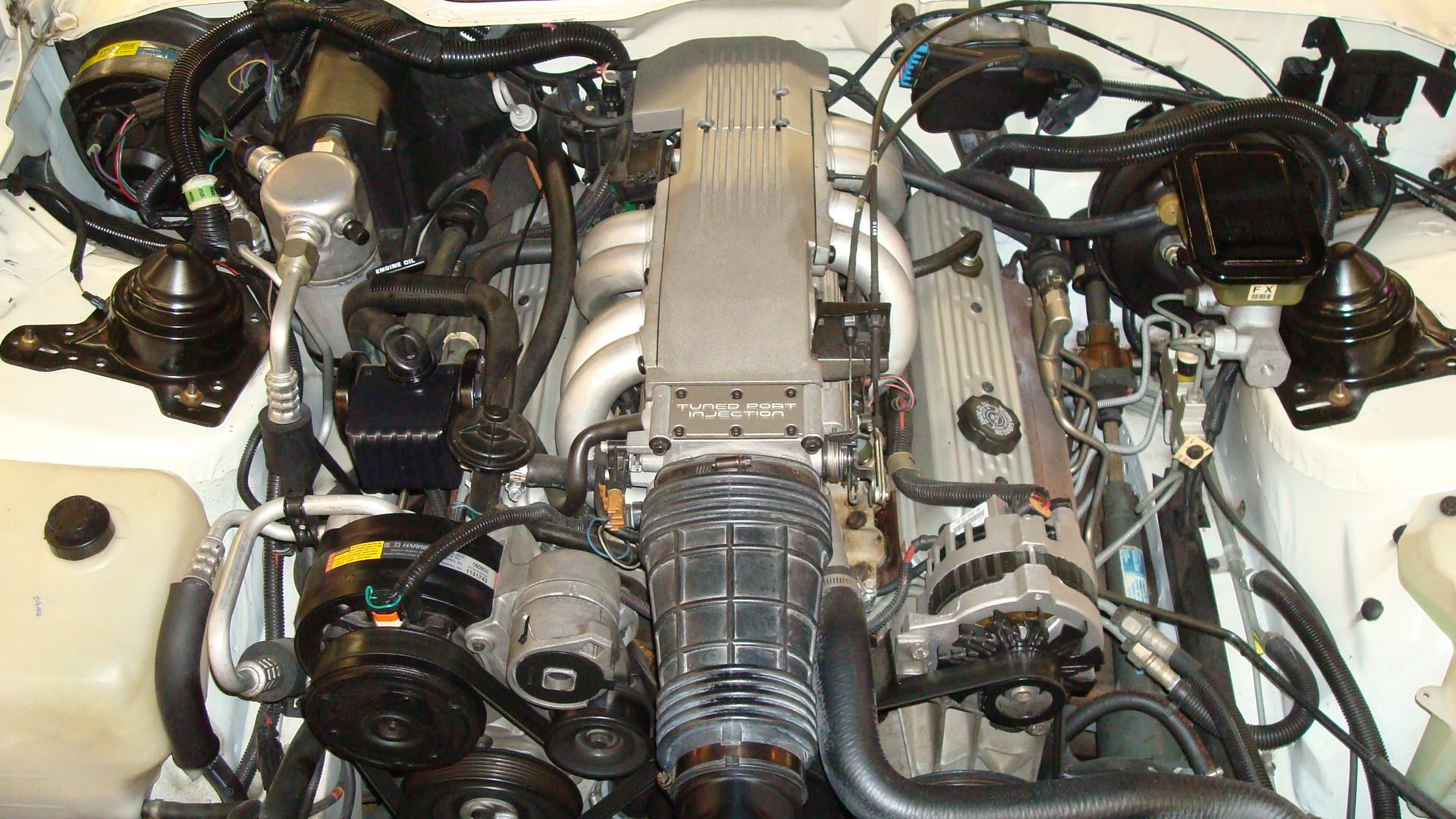 91_Z28_Engine.JPG