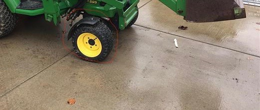 Click image for larger version.  Name:A TRACTOR.jpg Views:135 Size:45.1 KB ID:319290