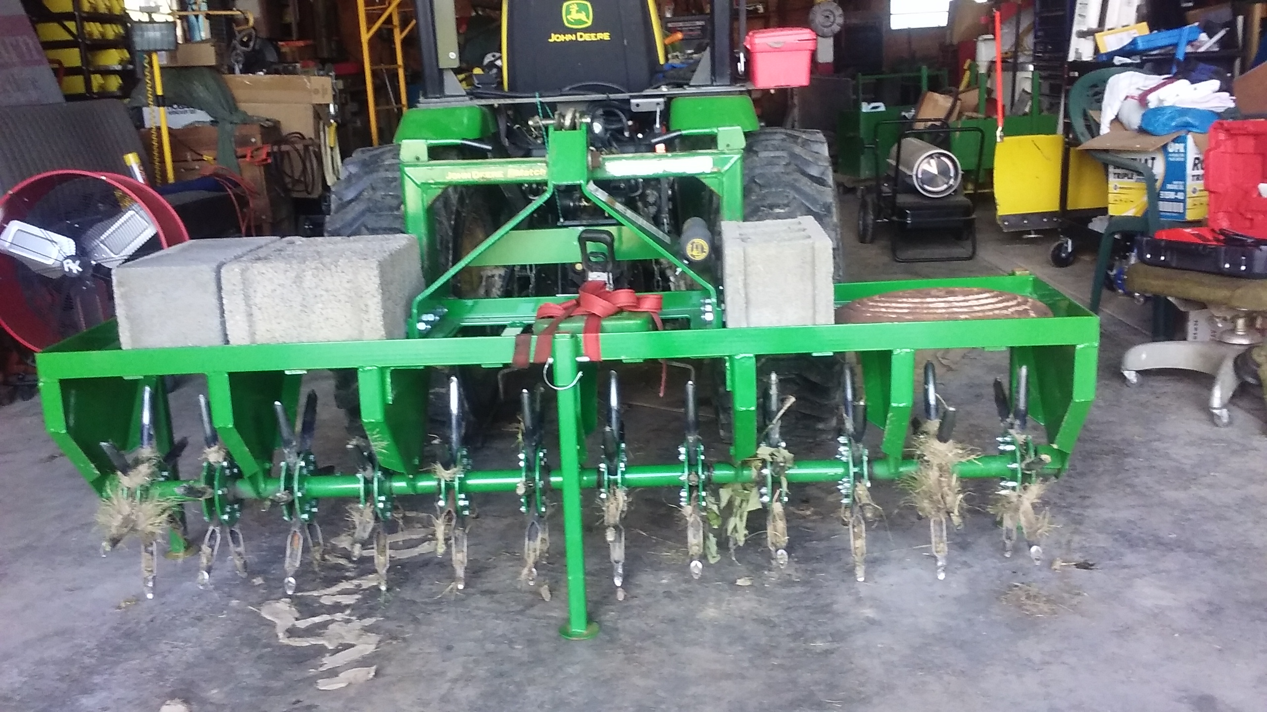 another pic of the weights on aerator.jpg