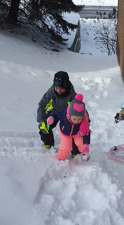 Click image for larger version.  Name:Carter & Avery Snow.jpg Views:26 Size:68.0 KB ID:130889
