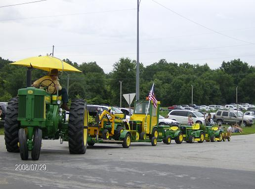 Click image for larger version.  Name:Copy of TRACTOR SHOWS 2008 084.jpg Views:20 Size:40.5 KB ID:39767