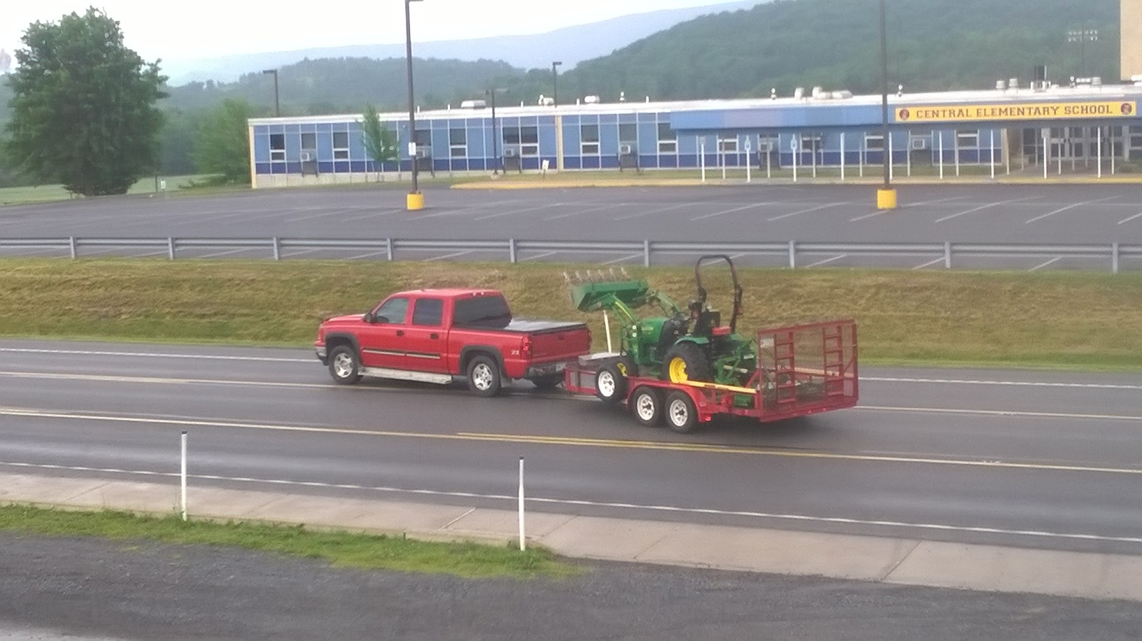 Click image for larger version.  Name:dads truck leaving bruce's  6-15-15.jpg Views:142 Size:319.7 KB ID:48102