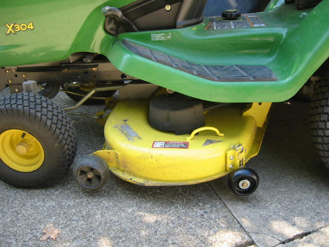 Click image for larger version.  Name:deck ready to mow with wheel added.jpg Views:24 Size:49.0 KB ID:26488