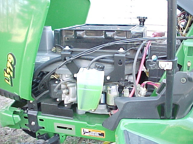 Deere Engine 8.JPG