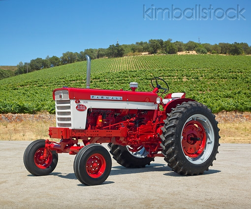 Click image for larger version.  Name:Farmall 560.jpg Views:13 Size:207.1 KB ID:164905