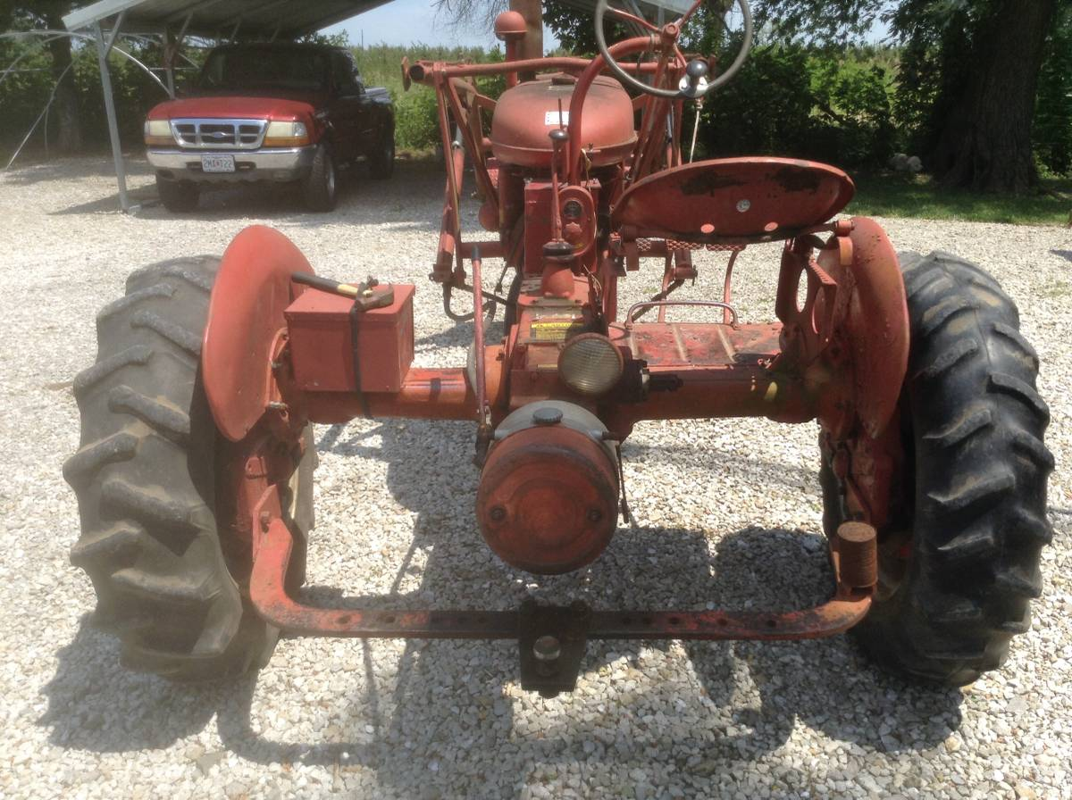 Farmall B loader rear.jpg