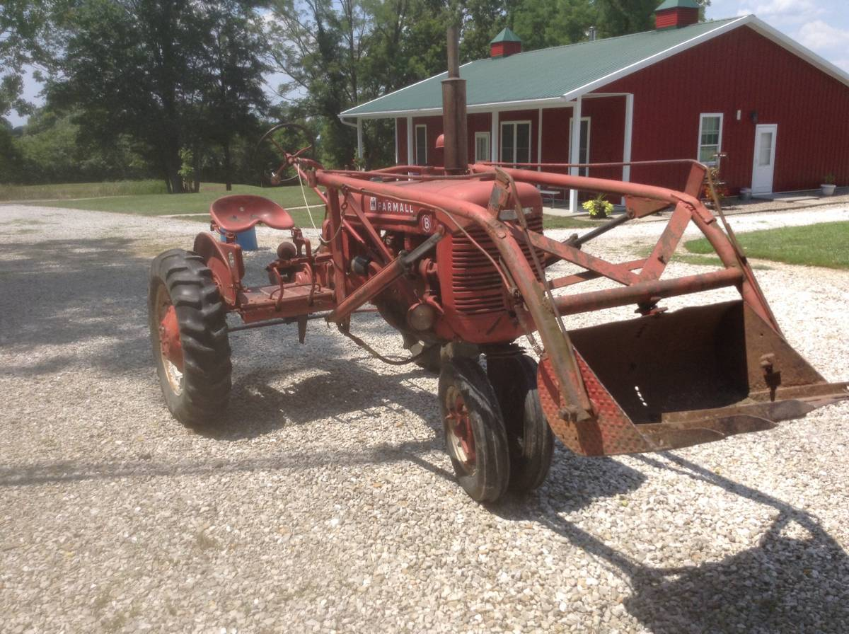 Farmall B loader right front.jpg