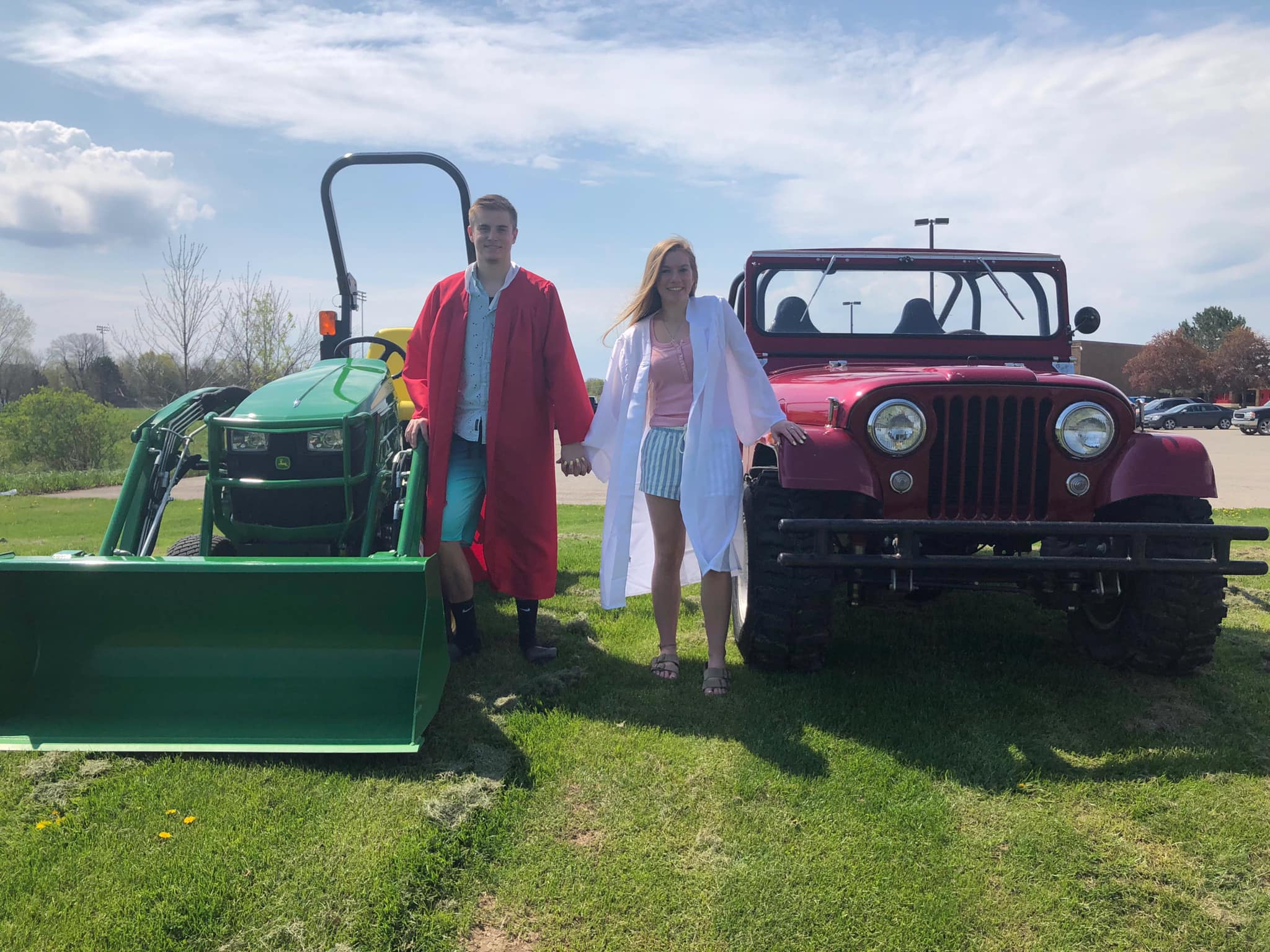Click image for larger version.  Name:Gage and Addi Graduation 2019 Johnny-Jeep.jpg Views:17 Size:330.2 KB ID:687854