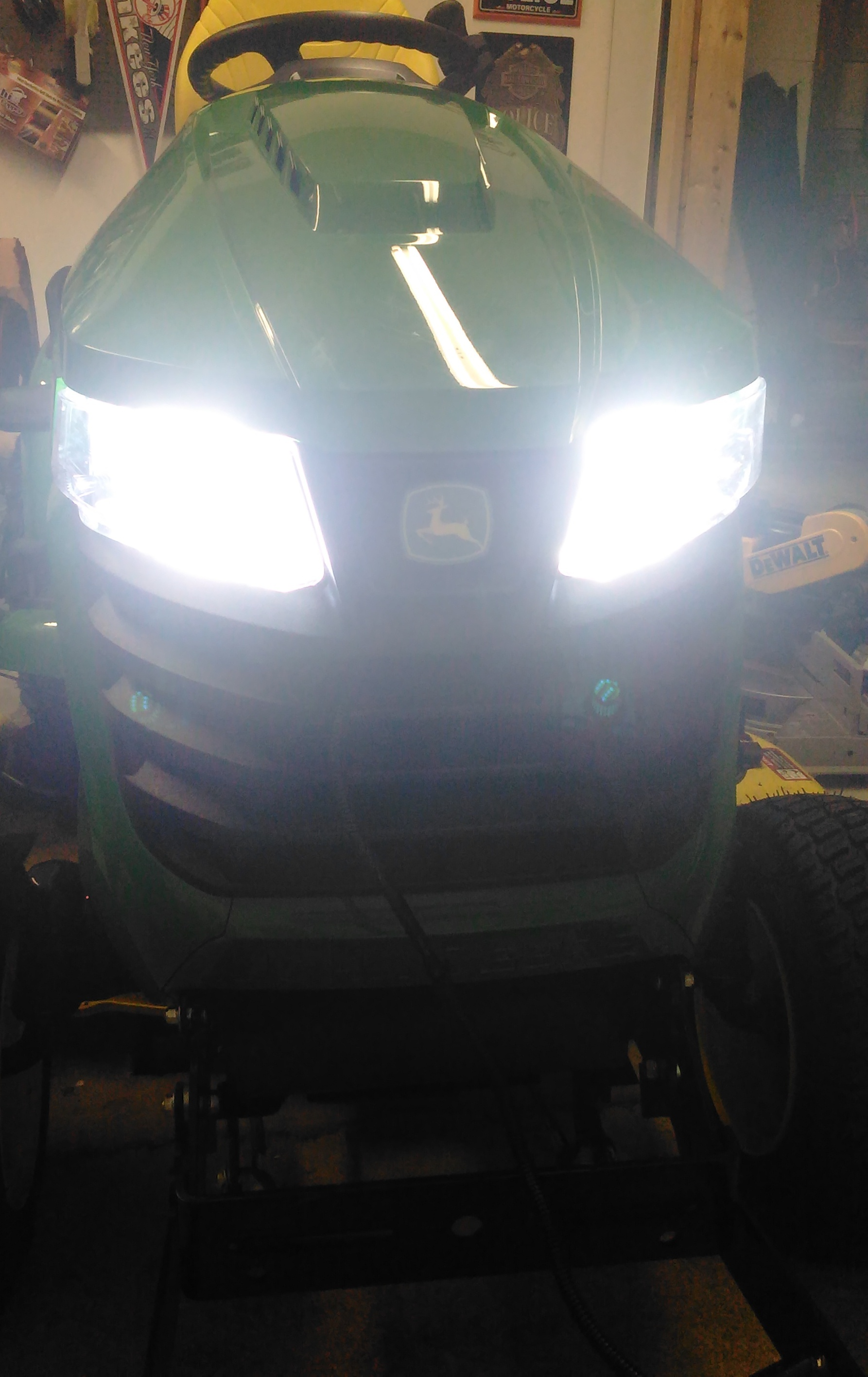 Click image for larger version.  Name:Headlights.jpg Views:13 Size:783.1 KB ID:647760