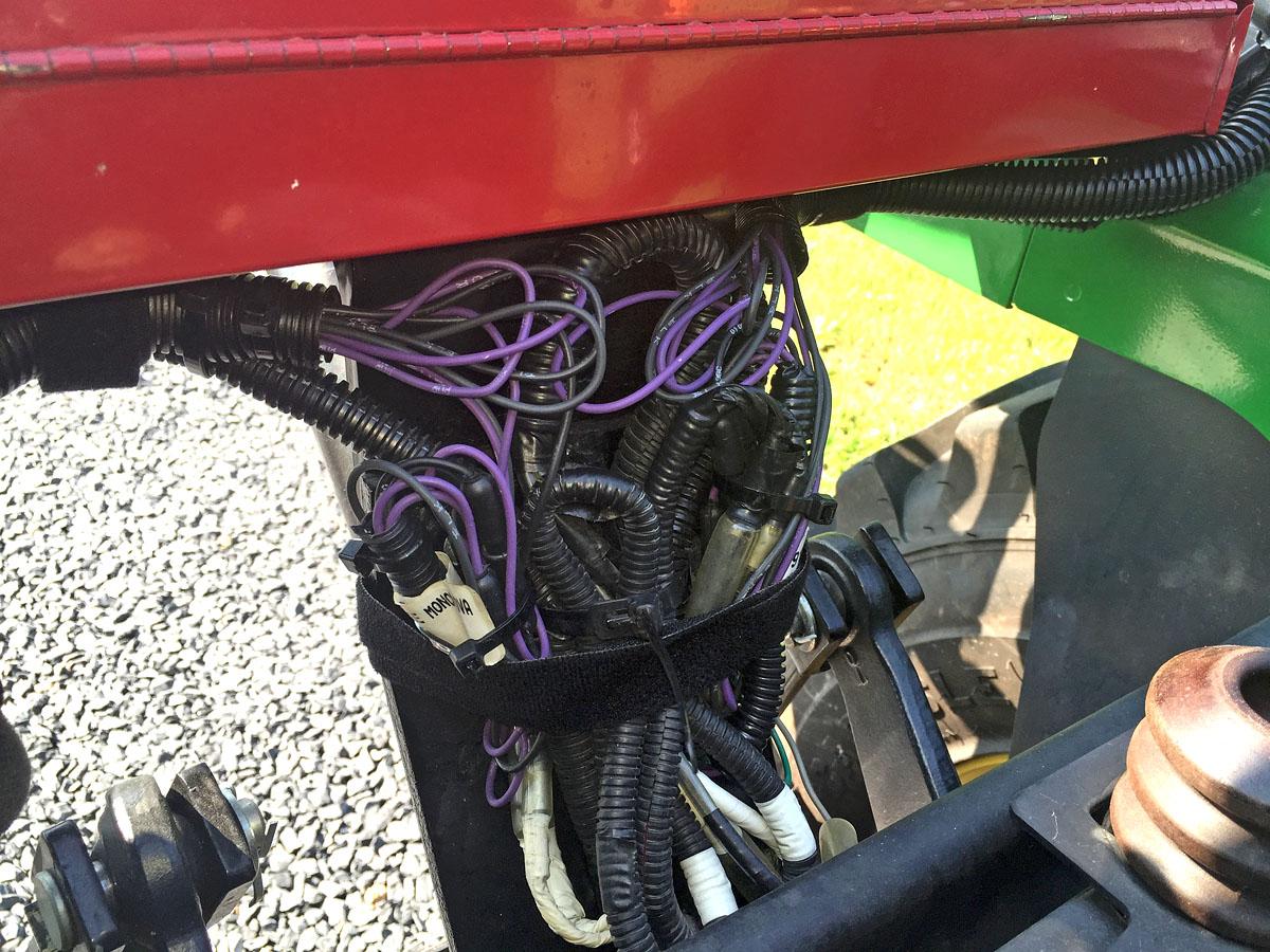 WORK LIGHTS ON 1023e | Green Tractor TalkGreen Tractor Talk