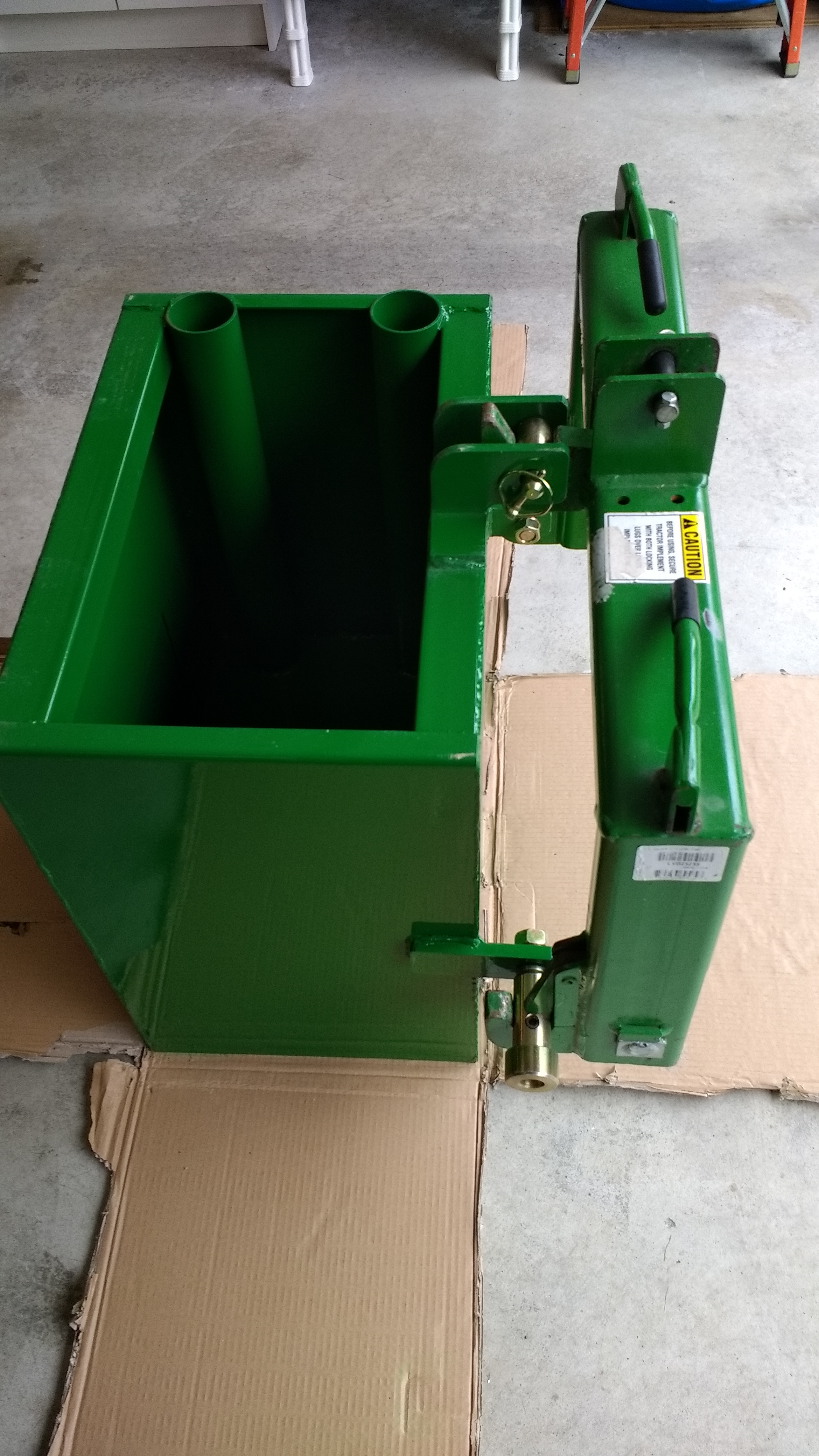 Titan ballast box does fit I-Match quick hitch
