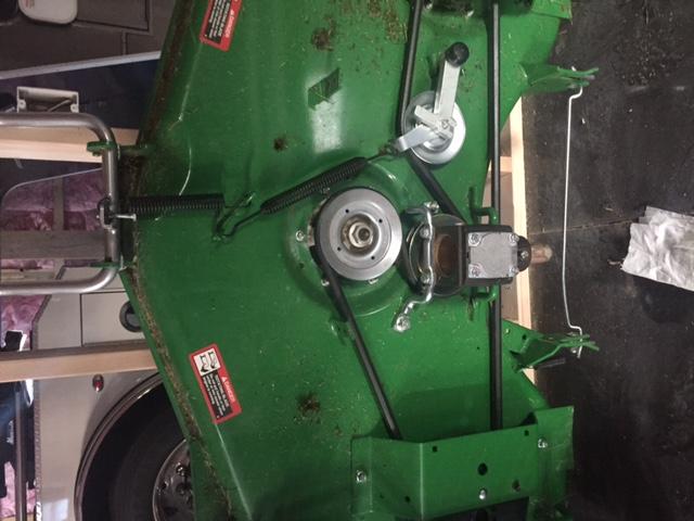 60D gearbox leaking
