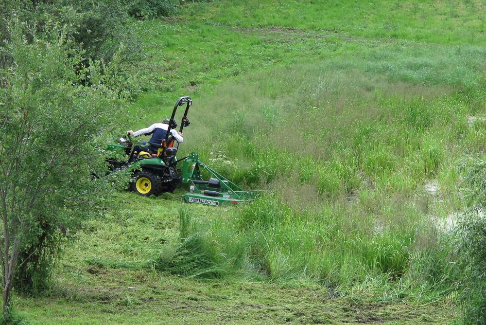 Roadway and Pond edge mowing