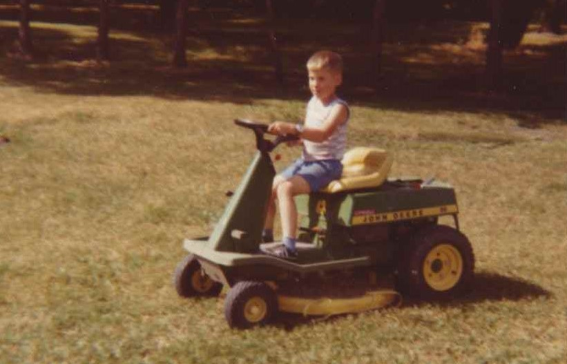 Click image for larger version.  Name:lawn mowing.jpg Views:41 Size:77.1 KB ID:146321