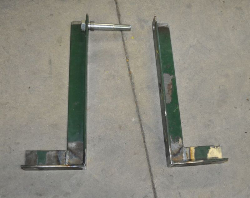 leg axle and spacer 4.jpg