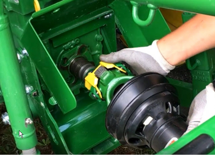 John Deere: New Quik-Knect™ PTO Attachment System