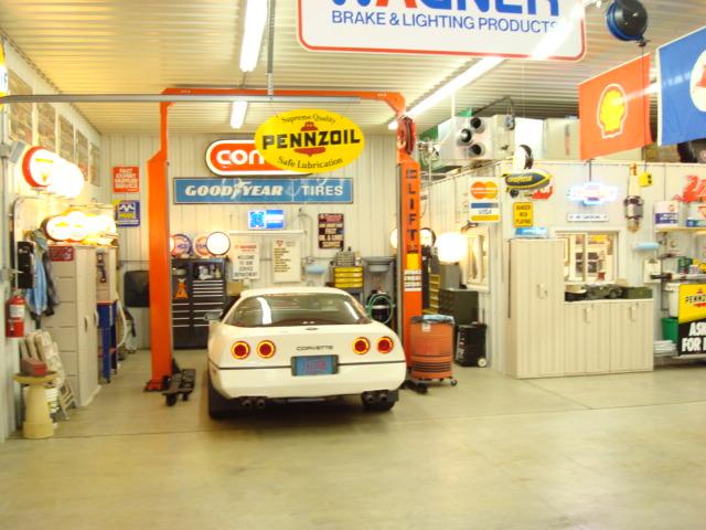 Shop_Int-1.JPG