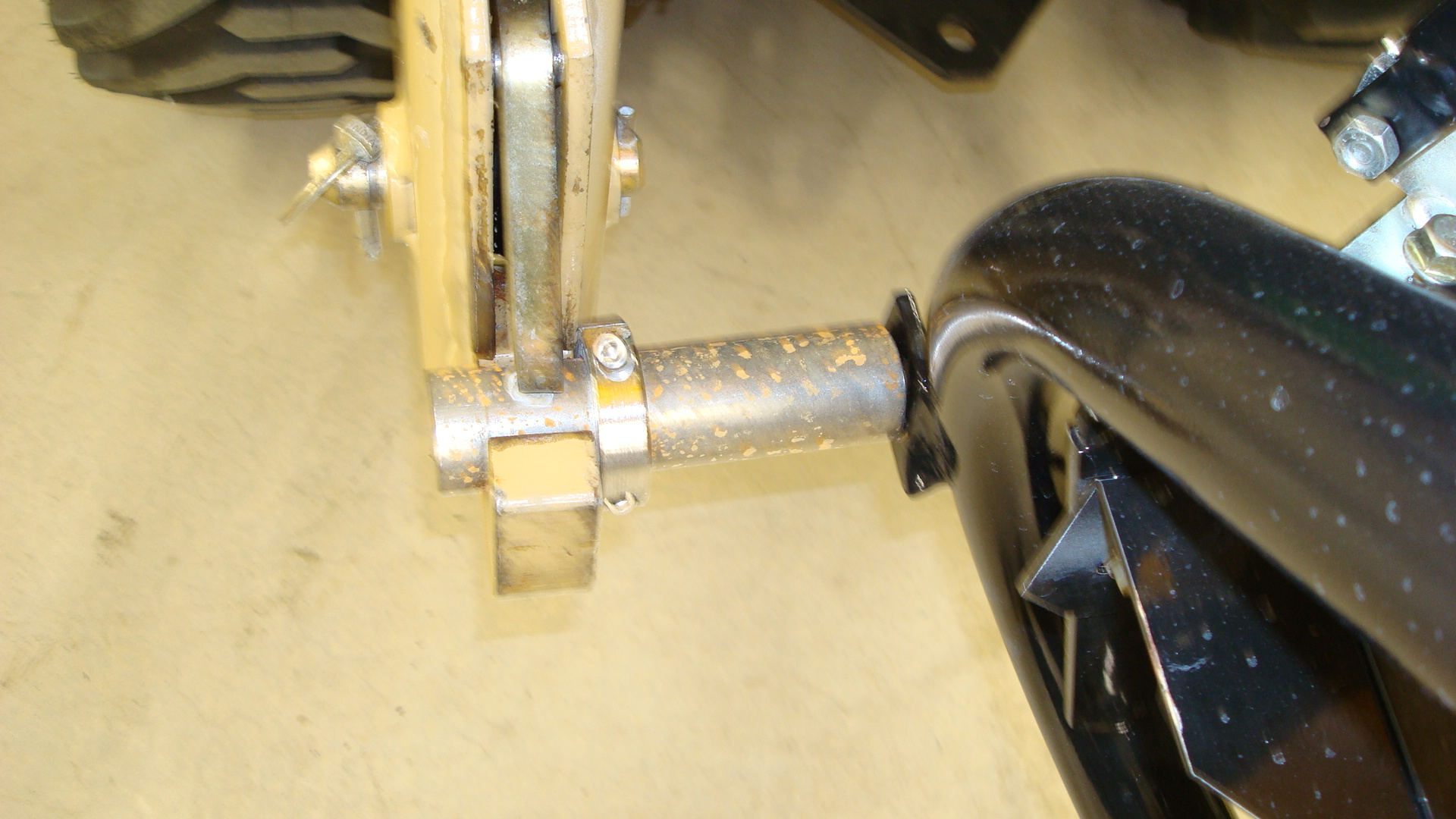 Spreader Mounted Pin.JPG