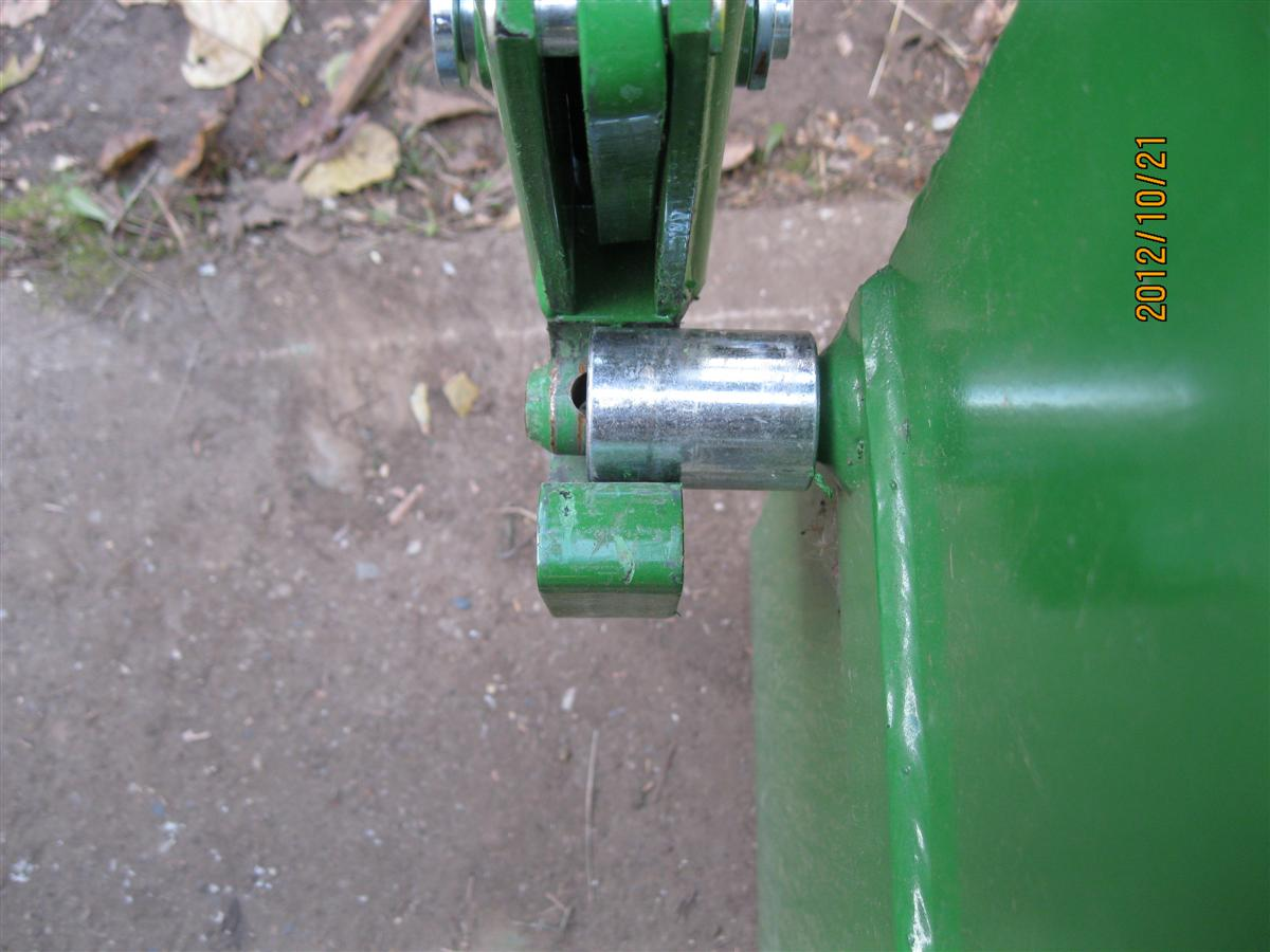 Click image for larger version.  Name:Tractor I Match Mod 2012-10-21 (13) (Custom).jpg Views:33 Size:102.5 KB ID:12226