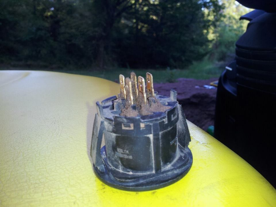 Click image for larger version.  Name:Tractor ignition.jpg Views:58 Size:65.8 KB ID:31265
