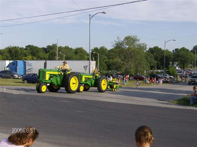 Click image for larger version.  Name:TRACTOR SHOWS 2006 061 (Small).jpg Views:14 Size:46.5 KB ID:39765