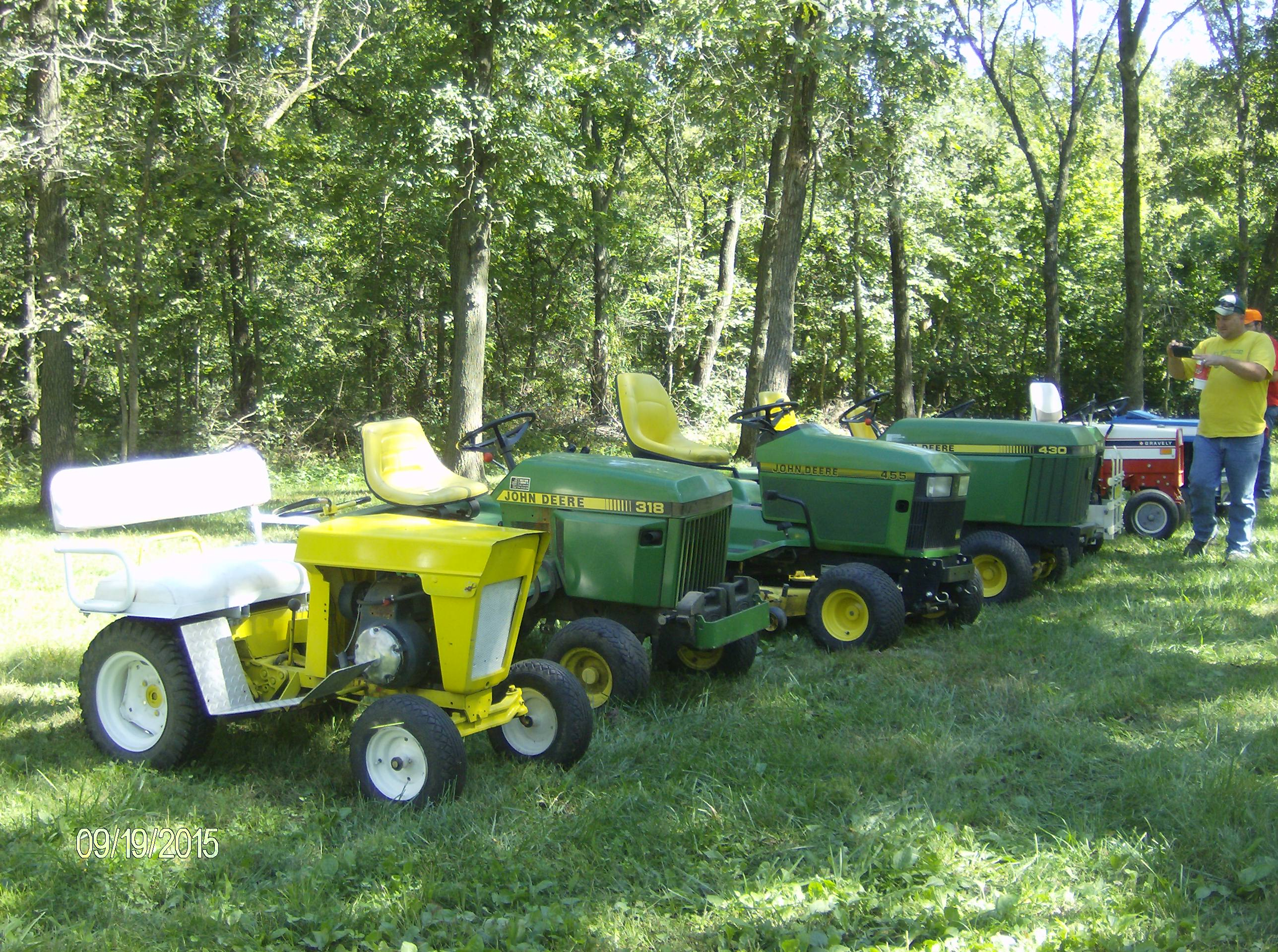 Click image for larger version.  Name:Tractor Shows 2015 013.JPG Views:31 Size:1,022.3 KB ID:58073