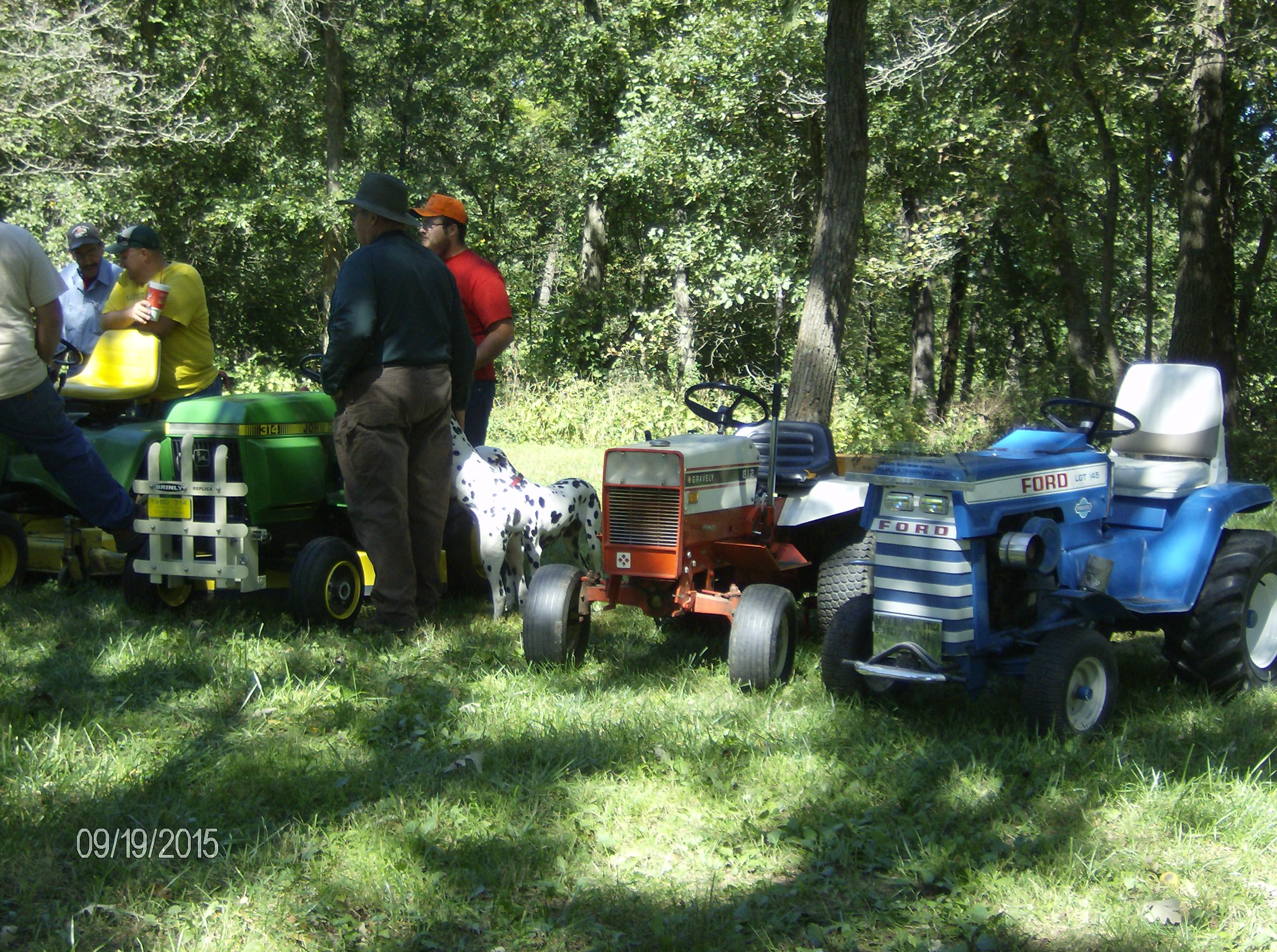 Click image for larger version.  Name:Tractor Shows 2015 016.JPG Views:29 Size:958.4 KB ID:58089