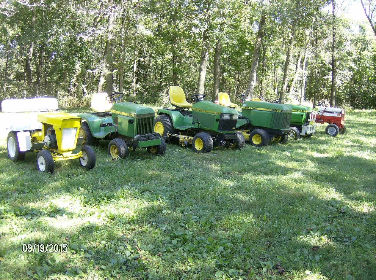 Click image for larger version.  Name:Tractor Shows 2015 040.JPG Views:28 Size:362.4 KB ID:58121