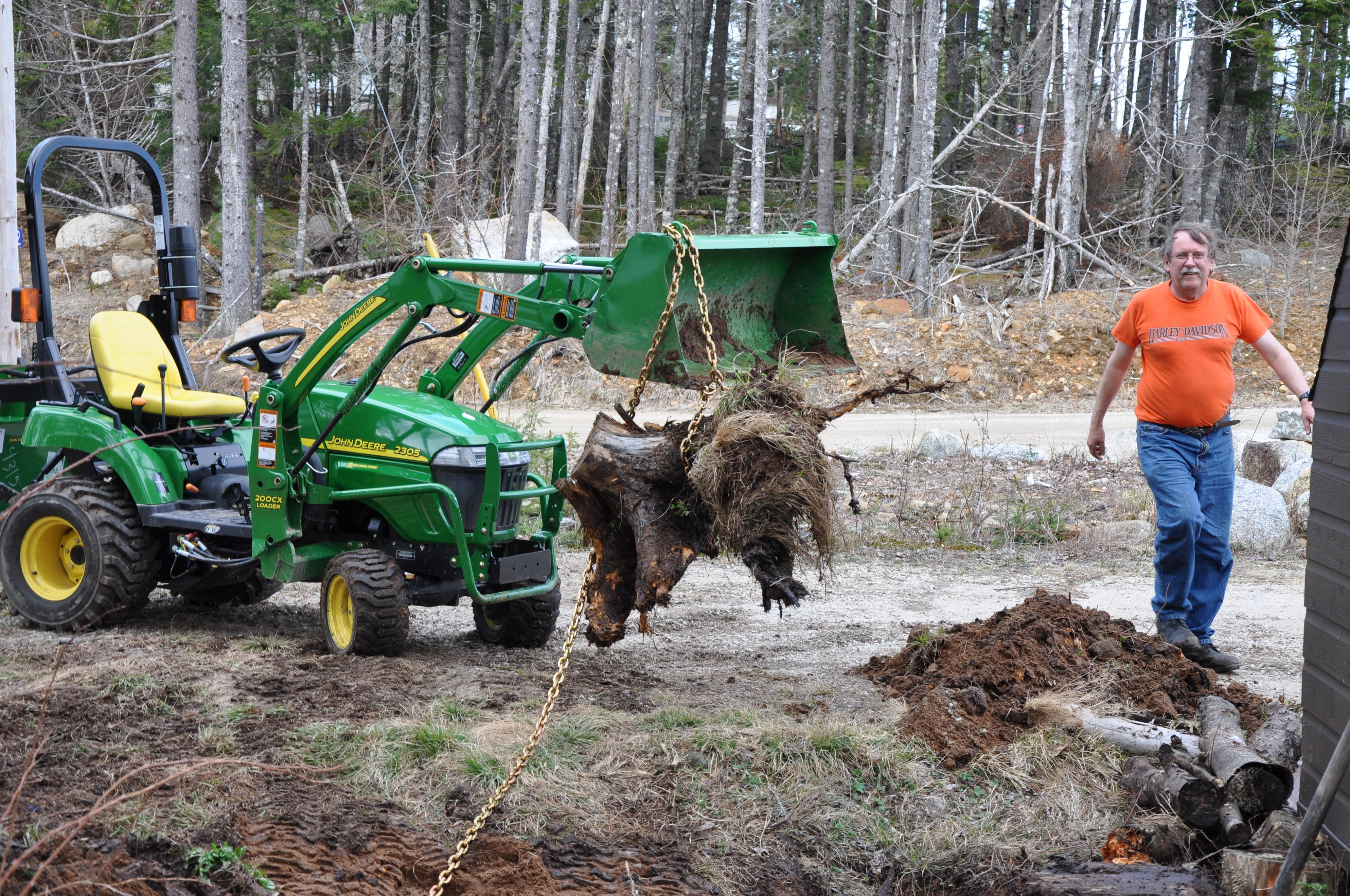Click image for larger version.  Name:Tractor-Stump (1).jpg Views:25 Size:1.98 MB ID:2829