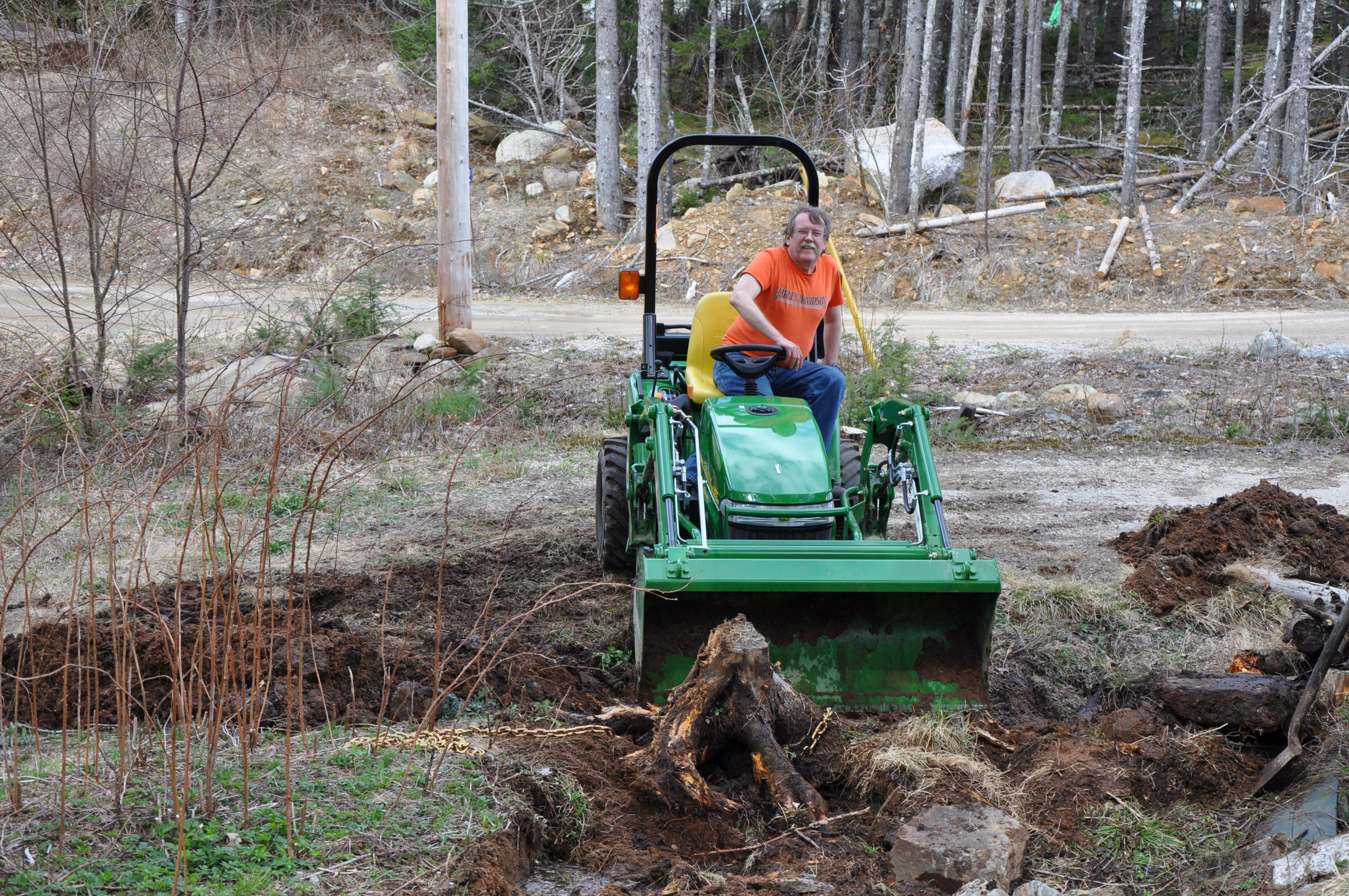 Click image for larger version.  Name:Tractor-Stump (3).jpg Views:23 Size:2.01 MB ID:2831