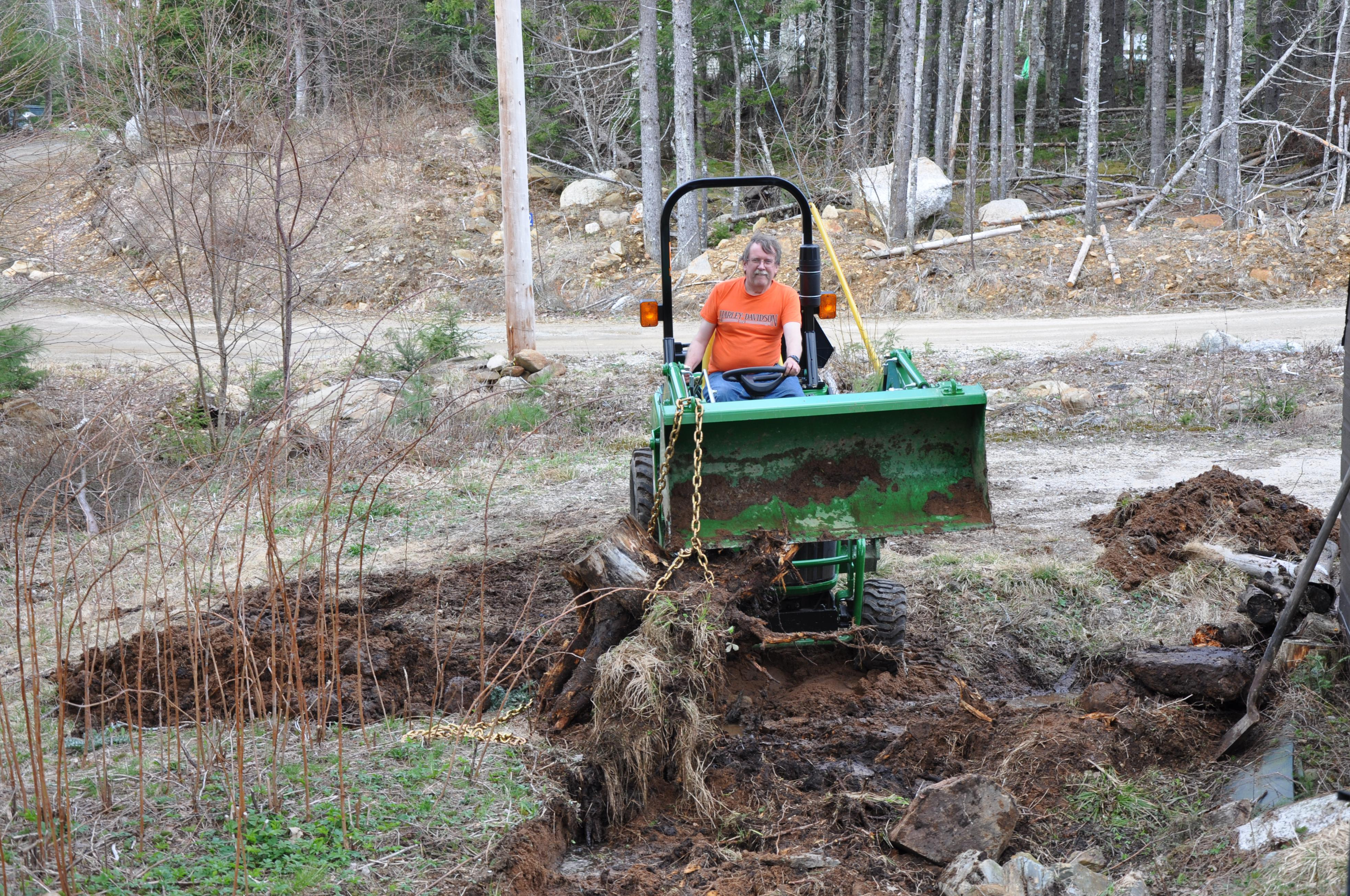 Click image for larger version.  Name:Tractor-Stump (4).jpg Views:22 Size:2.05 MB ID:2832