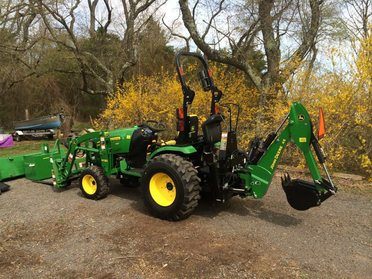 Click image for larger version.  Name:tractor1.jpg Views:42 Size:371.2 KB ID:27551