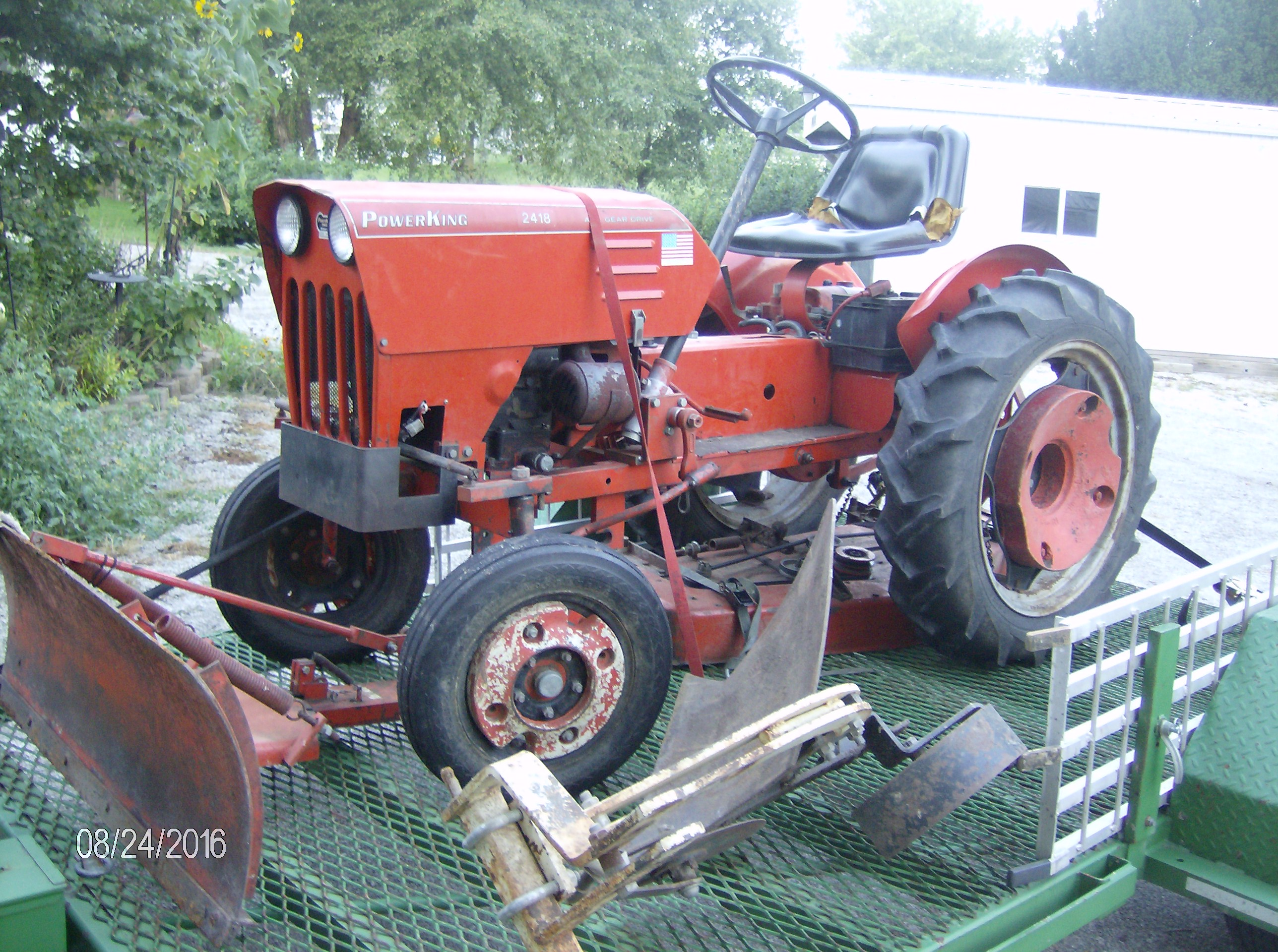 Click image for larger version.  Name:Tractors 2016 045.JPG Views:32 Size:1.12 MB ID:229002