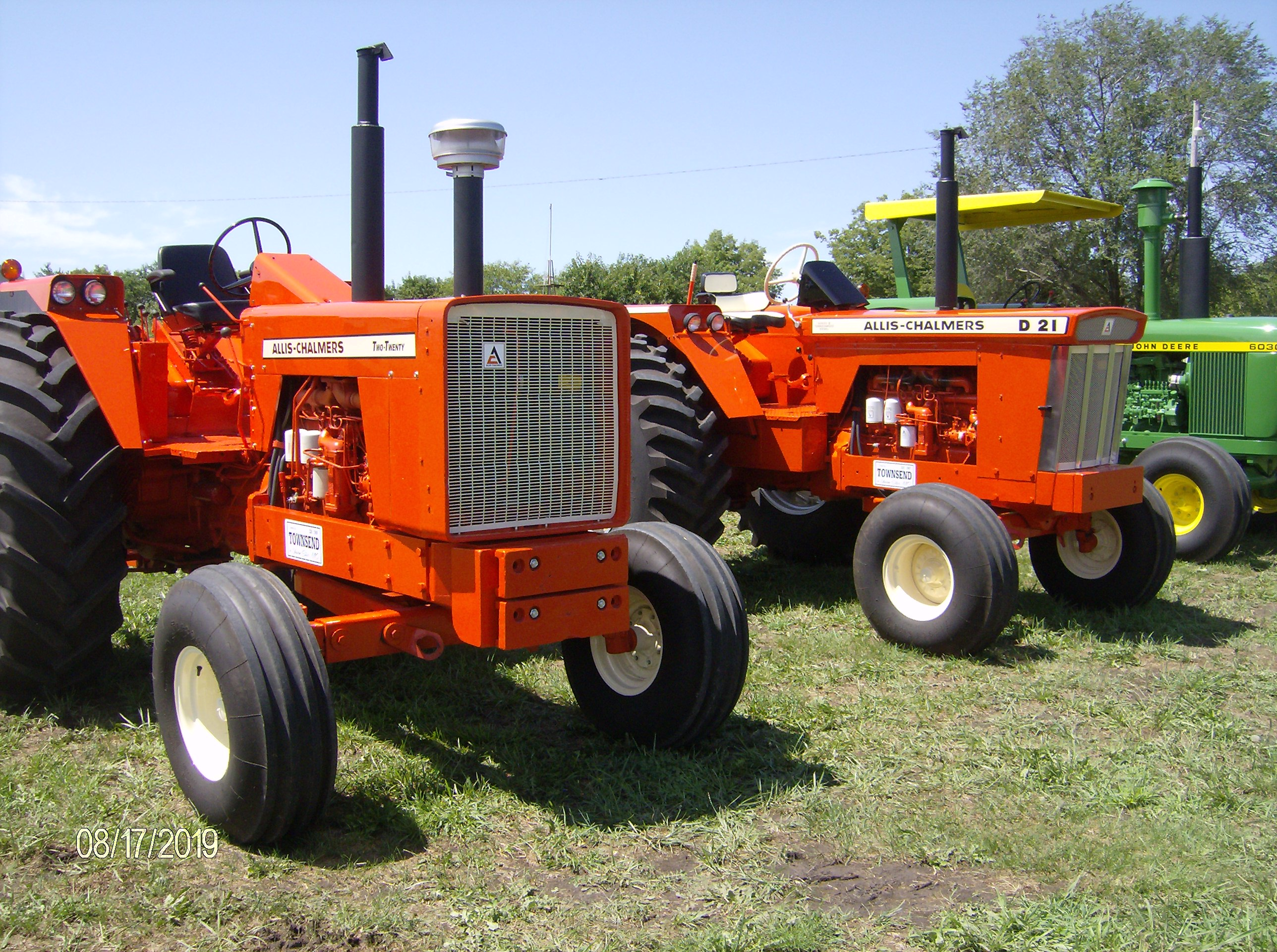 Click image for larger version.  Name:Tractors 2019 108.JPG Views:4 Size:1.23 MB ID:700318