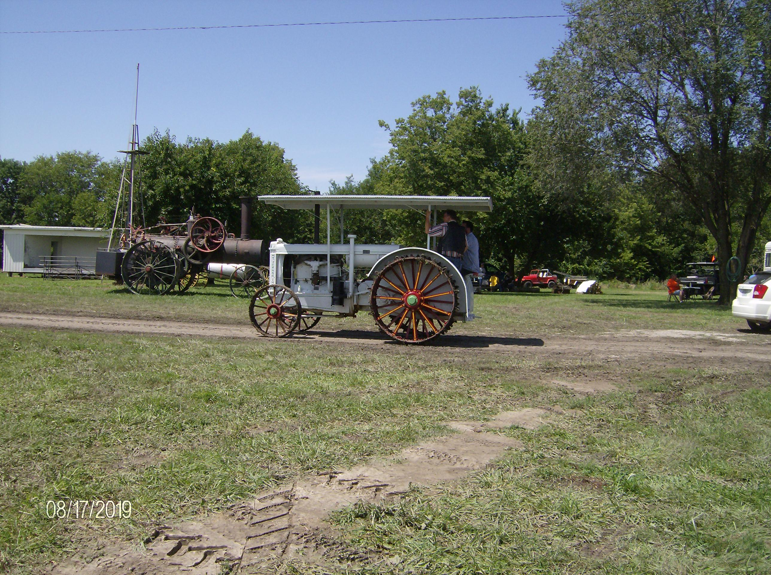 Click image for larger version.  Name:Tractors 2019 112.JPG Views:4 Size:1.01 MB ID:700324